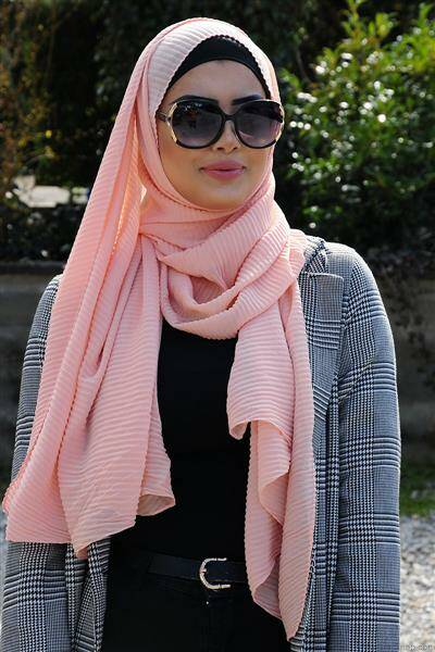 Long scarf with pleats rose pale
